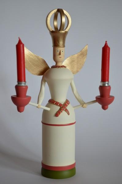 Engel mit Papierflügeln