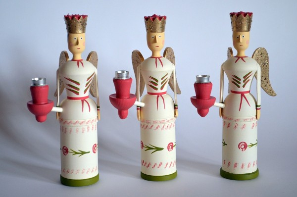 Engel mit 1 Kerzenhalter 20cm